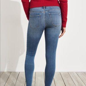 Hollister Advanced Stretch Low Rise Jean Leggings